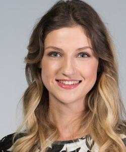 Anna - Headshot Acting Modeling Promoting